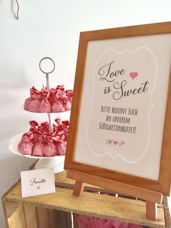 candybar-stuttgart-mieten-hochzeit-vintage-rosa-aufsteller-love-is-sweet