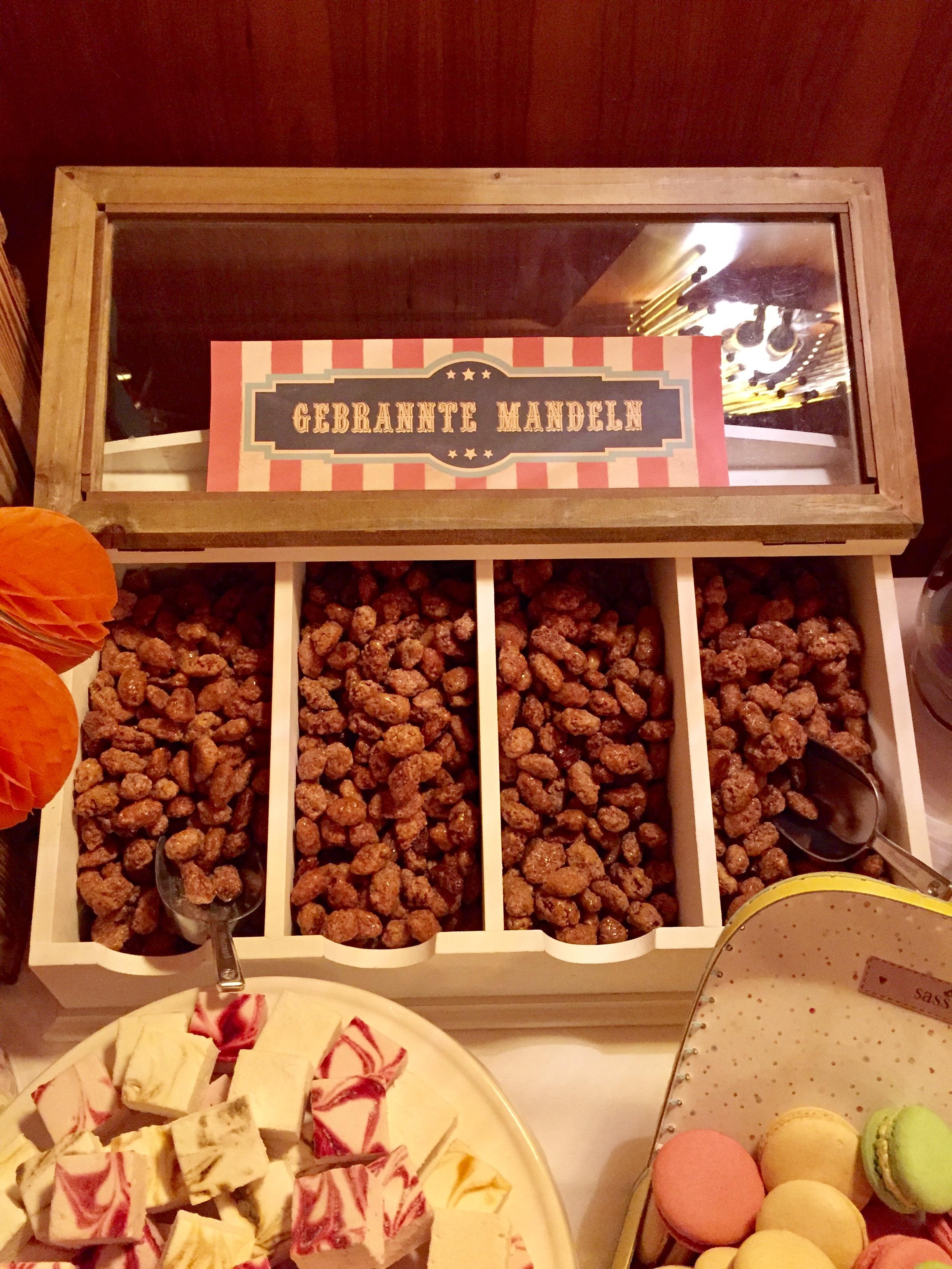 candy-bar-stuttgart-mieten-motto-theme-jahrmarkt-vintage-fun-fair-gebrannte-mandeln