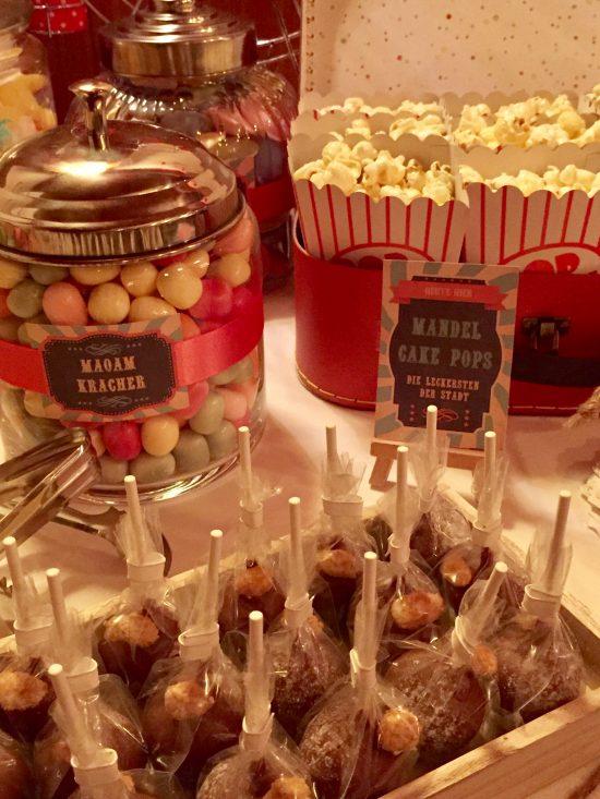 candy-bar-stuttgart-mieten-motto-theme-jahrmarkt-vintage-fun-fair-cake-pops
