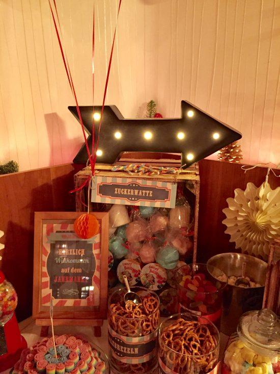 candy-bar-stuttgart-mieten-motto-theme-jahrmarkt-vintage-fun-fair-deko-licht