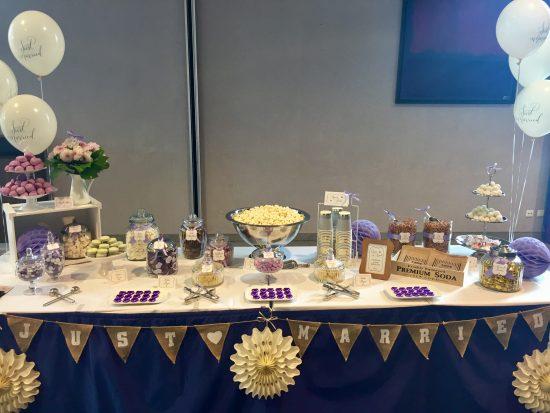 candybar-stuttgart-mieten-hochzeit-lila-candy-table