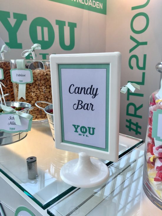 candybar-stuttgart-mieten-event-messe-you-rtl2-aufsteller-personalisiert